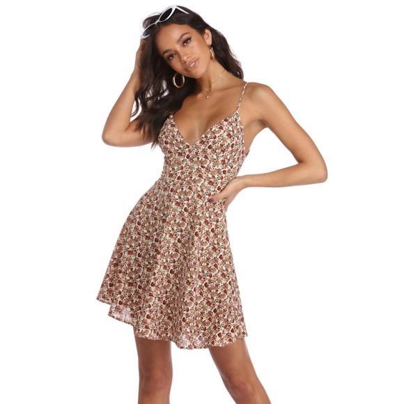 5657bb2b1125 Windsor Dresses | 24hr Sale30offnwot Floral Dress | Poshmark